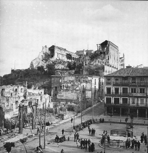 Plaza de Zocodover, Toledo en los años 40. Fotografía Rodríguez