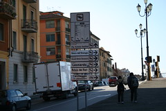 This way to the leaning tower (PJ's Photo's) Tags: pisa tuscany leaningtower