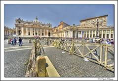 S.Pietro, Roma Italia. (paolopenna) Tags: sky italy pope vatican rome roma italia basilica sony columns musei vaticano hdr vaticanmuseum stpeter colonne cattedrale spietro benedetto colonnato benedettoxvi mywinner bestofmywinners nex3 sonynex3