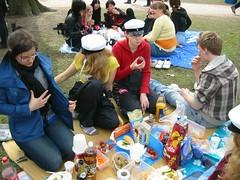 Piknik (Karavaani) Tags: kaivopuisto piknik vappu