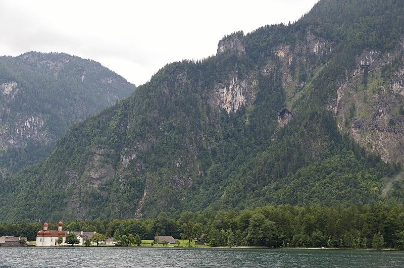 國王湖16_到了第一個下船的地方 洋蔥頭教堂 這也有餐廳可堑這用餐.jpg