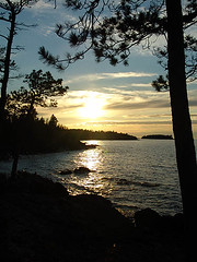 05-8412 Keweenaw Peninsula Shoreline Sunset from Esrey Park (darylann) Tags: sunset usa michigan shoreline scenic greatlakes shore northshore lakesuperior uppermichigan keweenaw northernmichigan keweenawpeninsula absolutemichigan amazingmich photocontesttnc08 esreypark darylannanderson darylannandersonphotography wwwdarylanncom