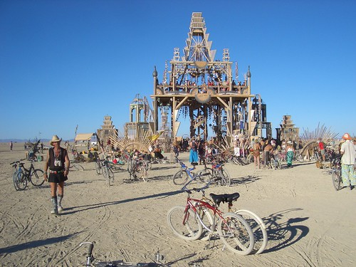 Basura Sagrada Temple, Burning Man 2008