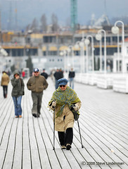 Woman on Pier (Steve Lindenman) Tags: old sea woman pier poland baltic shawl sopot polio cpmg1008sa