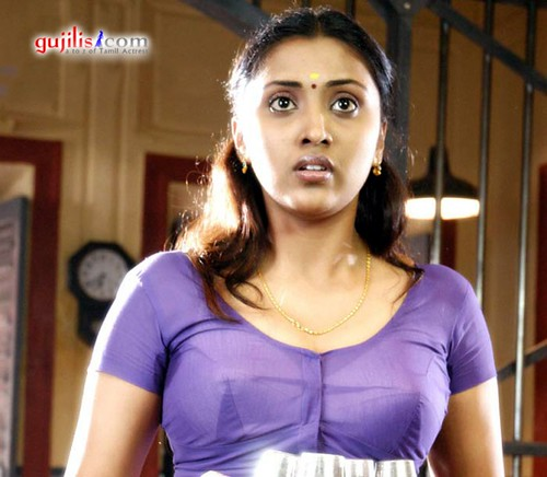 Actress In Blouse And Bra 80