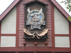 IMG_1242 (finrod) Tags: sign flags lodge antlers six entrace mooseburger