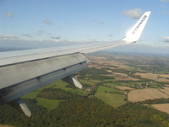 Ryanair Luton Landing (KevinAndrew350) Tags: london flying flight boeing ryanair luton 737