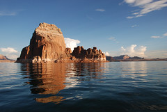 Morning on the lake (Anitab) Tags: reflection utah lakepowell rockformation