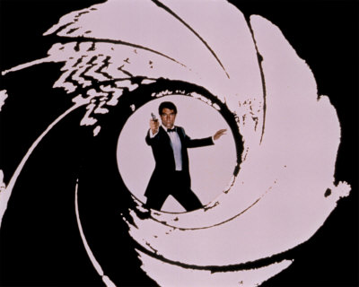 10038487atimothy-dalton-james-bond-007-posters