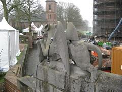 grgola (tnarik) Tags: netherlands statue gargoyle estatua grgolas kaasteldehaar