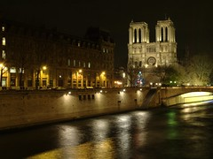 notre_dame_seine_wb_rotated_cropped_4862