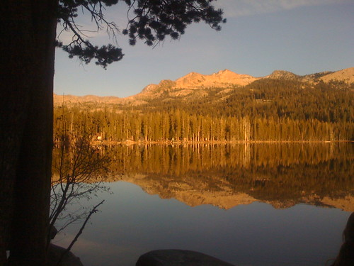 Wrights Lake to Grouse Lake and gateway to Twin Lakes