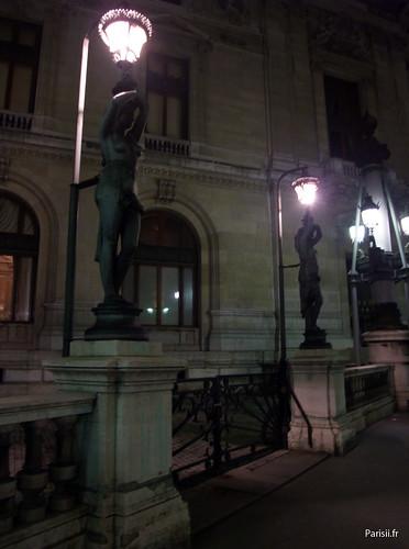 Rangée de lampadaires à Opéra