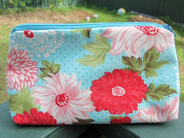make up bag - floral small