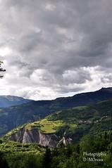 Beaurevaire depuis la route de la Colonne (Montaimont) (dammo07) Tags: montagne moutain france french europe alpe rhone alpes photo d90 nikon paysage ambiance couleur printemps beaurevaire montaimont nuage fleur ruine composition