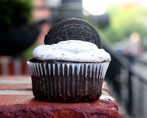 Vegan Cookies and Cream Cupcake