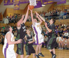 Drew Heinz puts up the shot. (Photo by RANDY PARKS)