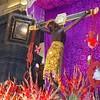 ¡Taytacha  o...   Señor de los Temblores! (CUSQUENIAN) Tags: portrait sun flores adorno sol 2004 peru inca del de los retrato cusco catedral inka altar andes cristo 2008 ramiro soe inti andino santo templo topic lunes andean peruvian sacro peruano jurado señor ande sagrado colorido peruana andina patrón portilla arreglo qosqo imponente moreyra avision platinumphoto temblores goldstaraward adornado cusquenian ñuqchu señordelostembloresdelcusco lordoftheearthquakes