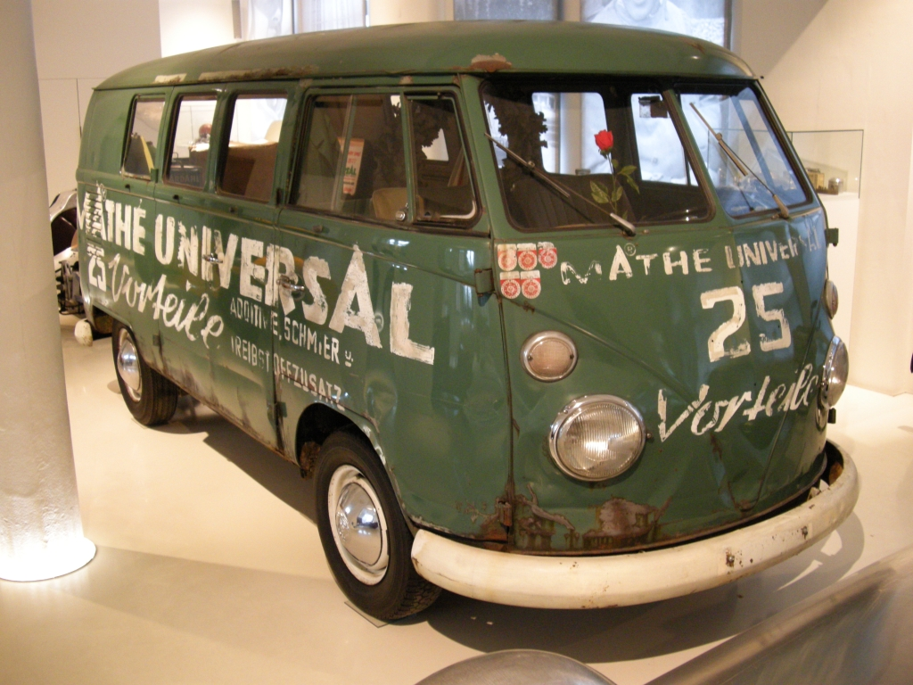 VW Transporter T1. go back