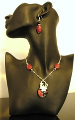 Rouge et Noir necklace