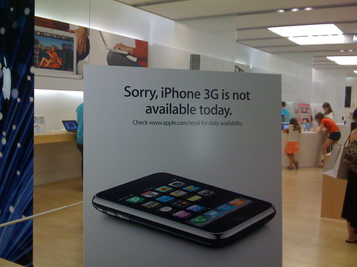 Palisades Apple Store Sold Out of iPhones