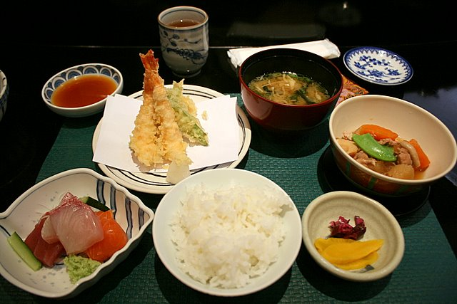 Wahiro's S$15 lunch set