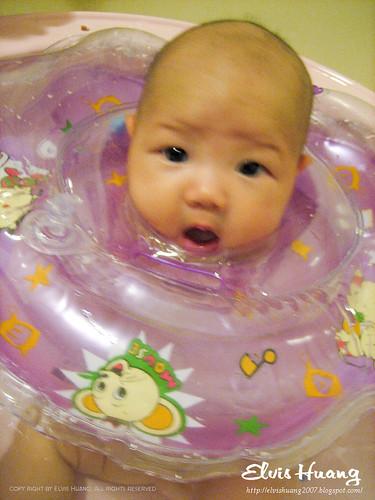 丸子愛游泳