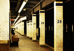 28th Street Station (jpellgen (@1179_jp)) Tags: street nyc summer usa 6 ny newyork station america train bench subway island nikon phone manhattan telephone 4 platform august line pay mta 1855mm nikkor 33rd 2008 28th lexingtonavenue d40