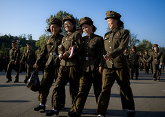 Smiling army North Korea (Eric Lafforgue) Tags: pictures travel girls woman girl smile female canon soldier army photo women war asia military femme picture korea kimjongil asie fille journalist militaire soldat journalists northkorea armee pyongyang  dprk coreadelnorte juche kimilsung nordkorea 4971 lafforgue   ericlafforgue   coredunord coreadelnord  northcorea coreedunord rdpc  insidenorthkorea  rpdc   coriadonorte northkoreanarmy  armeenordcoreenne kimjongun coreiadonorte