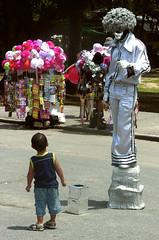 estátua! (André Telles) Tags: criança domingo estátua tijuca sãocristóvão quintadaboavista