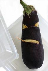 Meet 'Al' Bergine... (RR) Tags: food playing art smile vegetables fun with purple eggplant humor olive toothpick olives aubergine mean rough veggie scared tupperware anthropomorphic playingwithfood berenjena berinjela anthropomorph meanlooking patlican antropomrfico partofthe mwhahaha antropomorfico anthropomorphe ofmymom whenshe theheckout openedthe spreadhumorcoalition brincandocomacomidablog