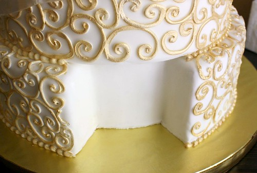 Art Of Dessert Have Your Cake And Eat It Too The Making Of A - Wedding Cake Dummy