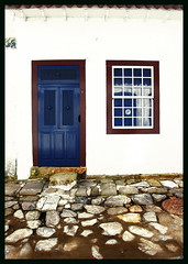 .Paraty windows (italianoadoravel *****just feelinfg a bit better**) Tags: sky flower love window southamerica digital sunrise colorful sweden retrato awesome blossoms vivid az chapeau winner stunning gazania editing soe topic blueribbon potions orangeandblue naturesfinest singintheblues tinctures supershot 5photosaday top20colorpix passionphotography golddragon the4elements abigfave platinumphoto anawesomeshot top20travel superbmasterpiece travelerphotos infinestyle diamondclassphotographer flickrdiamond ysplix superlativas theunforgettablepictures onlythebestare coloursplosion goldstaraward excapturemacro clevercreativecaptures landscapesdreams unlimitedphotos worldtrekker flickrbestpics overtheshot flickrlovers peachofashot auniverseofflowers magicdonkeysbest thebeautifulimagetop feelingroup goldenheartaward absolutelystunningscaps detailssculpturalandarchitecturaltresures detallestesorosarquitectnicosydeesculturas