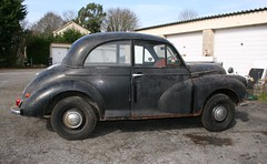 1955 SPLIT SCREEN MORRIS MINOR (shagracer) Tags: classic cars abandoned rotting car dead rust paint neglected rusty screen faded forgotten vehicle british rusting morris split dying minor 1000 decaying stood unloved laidup