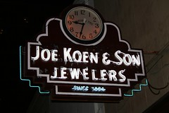 joe koen & son jewelers neon sign with flash
