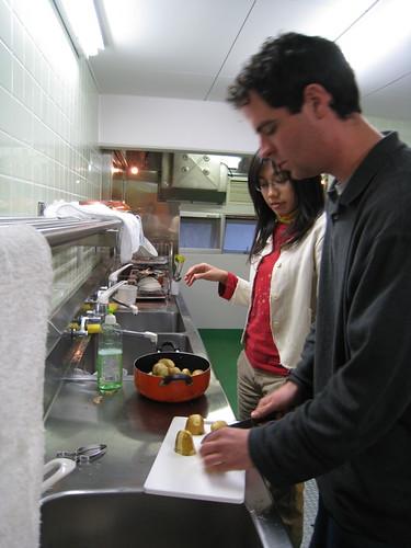 Jimmy在教我怎麼處理馬鈴薯