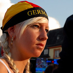 german fan (Werner Schnell (1.stream)) Tags: public girl germany fan football nikon euro soccer german em 2008 viewing siegen werner ws schnell mywinners wernerschnell