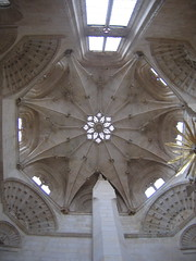 """Burgos Cathedral • <a style=""""font-size:0.8em;"""" href=""""http://www.flickr.com/photos/48277923@N00/2621983547/"""" target=""""_blank"""">View on Flickr</a>"""