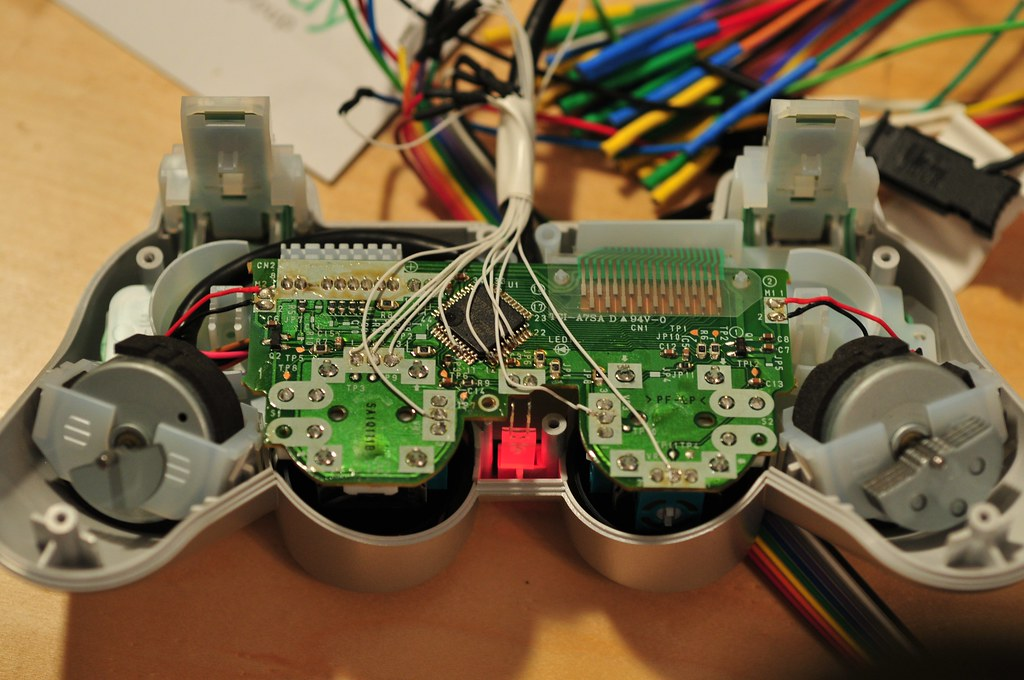 psx near future laboratory so this is my analog version of a playful playstation 2 controller for the psx project the one that slows the analog part of the controller down over