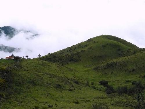 Ecuador-acreage-view