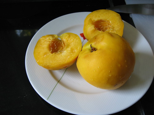 delicious, fragrant mango-nectarines!