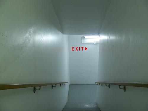 exit02