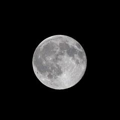 Lune à 99,7 %
