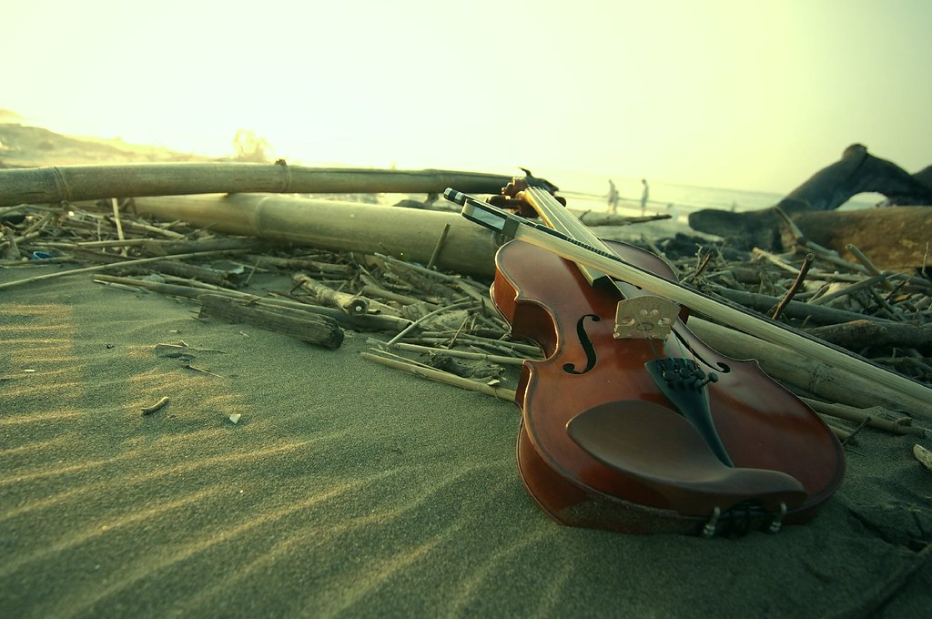 友站外拍--流浪提琴手