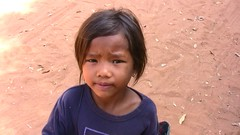 Kambodscha , One Dollar, sir  -  66 (roba66) Tags: travel girls cute girl children asia asien cambodia kambodscha child urlaub kinder kind explore siemreap angkor süss mädchen eastasia earthasia memorycornerportraits roba66