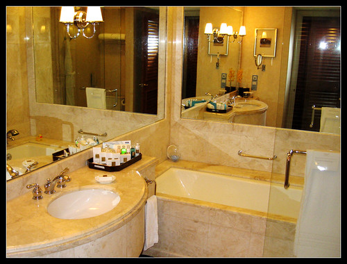 2992620755 77b958ee03 5 Wow worthy Bathrooms: Holiday Getaway Edition