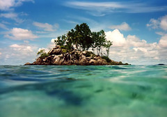 seychelles (only sea in mind)-2003 (lorytravelforever) Tags: seychelles anseroyale 9nov2007 novavitanewlife mahisland awardedbipg febbraio2011challengewinnercontest