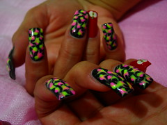 alberta's nails (nov 2008) (kermittina [petitepeste!]) Tags: apple colors explore nails alberta colori mela unghie nikoncoolpixp2 photoexplore kermittina