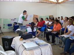 Coordenador em palestra de formação