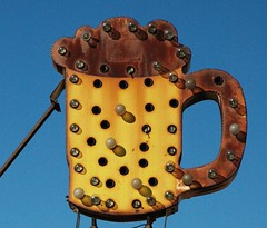 Oans, zwoa, g'suffa! Rusty Route 66 Bulb Beer Sign (Dave van Hulsteyn) Tags: beer sign bulb vintage route66 rust shadows neglected rusty rusted ghosttown weathered rusting pint abandonned liter masskrug daggett sportsmansclub leftfordead weatherbeated